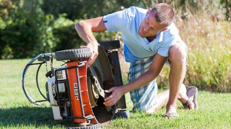 Frequently Asked Questions About Why a Lawnmower Is Hard To Start