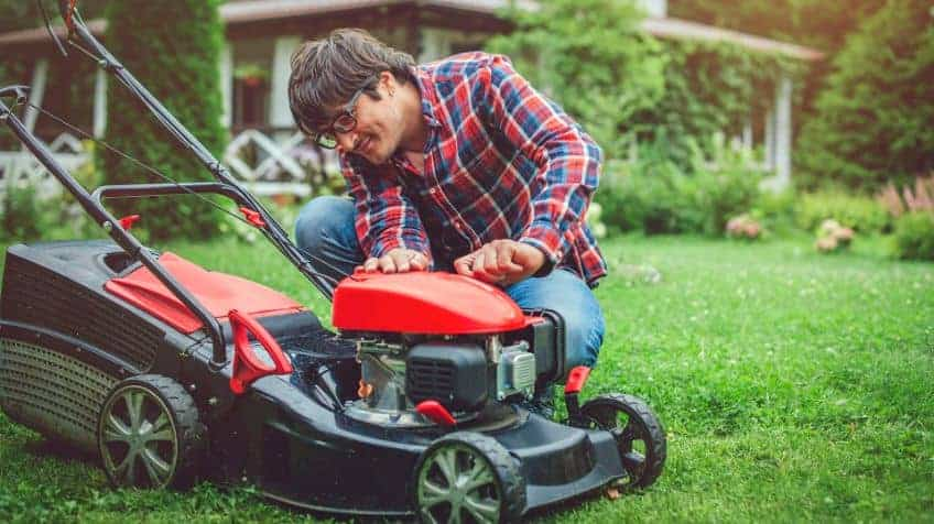 How To Look After Your Lawnmowers Battery