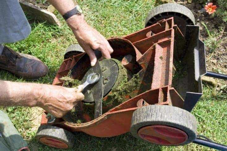 How To Sharpen Mower & Riding Lawn Mower Blades Without Removing Them