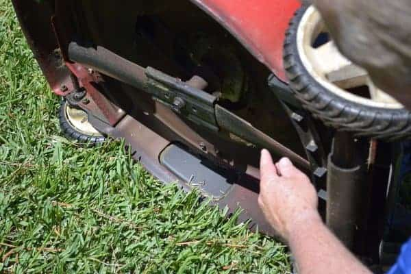 How to Remove Your Riding Mower Blades for Sharpening